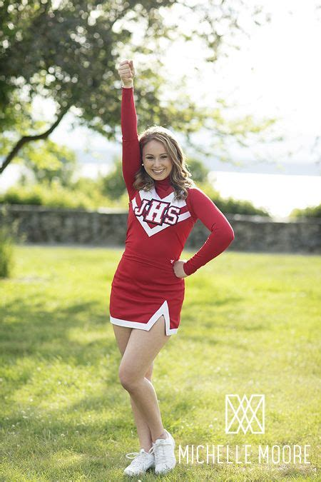 senior girl cheerleader winter spring senior style ideas for the class of 2014