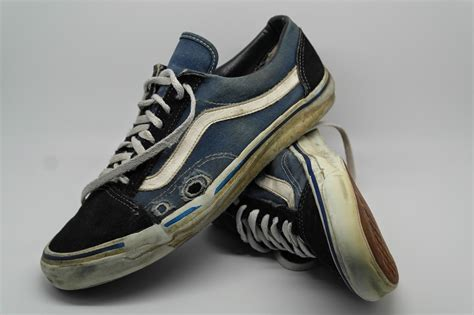 Homypro Hunt Sneakers Navy the vans obsessive who hunts vintage deck shoes all the world plain magazine