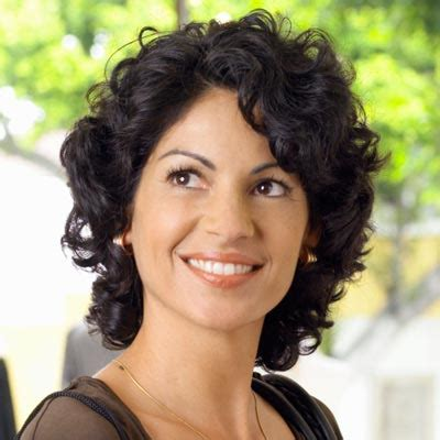 medium haircuts for thick curly hair 3 great medium haircuts for curly hair