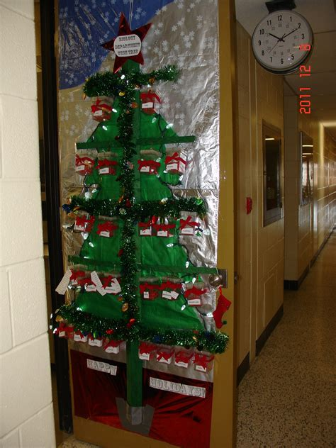 best christmas door decoration winners door decorating contest