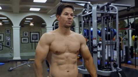mark wahlberg bench press can you keep up the rock workout mark wahlberg workout