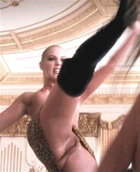 Elizabeth Berkley Vagina From Showgirls The Nip Slip