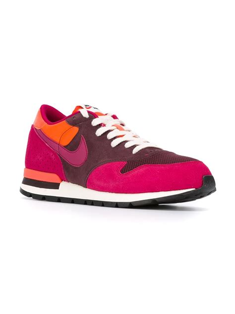 nike pink sneakers nike air epic qs sneakers in pink pink purple lyst