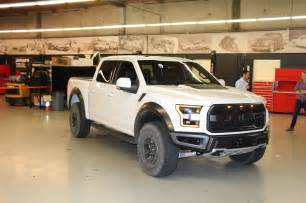 Ford F150 Raptor 7 Cool Facts About The 2017 Ford F 150 Raptor Motor Trend