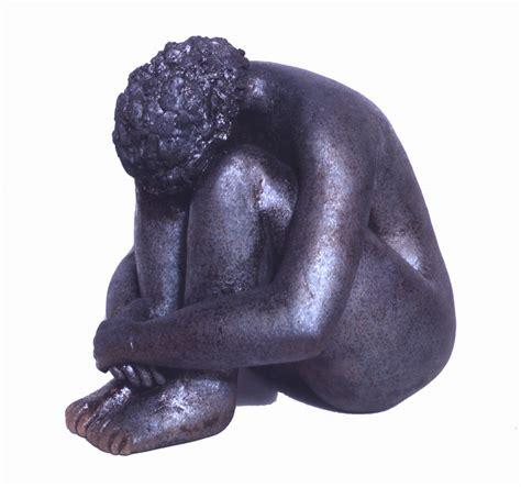 Plastik Rel bild sitzend figural keramik skulptur ban bei kunstnet