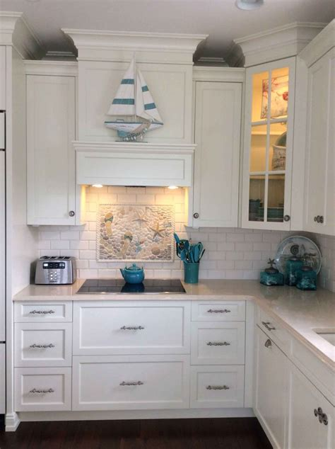 Kitchen Backsplashes With White Cabinets by Ocean Style Kitchen Backsplash With Starfish Flip Flops