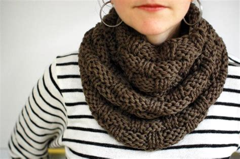 show me how to knit a scarf 11 chunky knit scarf patterns to knit this weekend