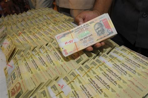 accept rs 500 rs 1000 notes till november some relief for aam aadmi 500 and 1000 rupee notes