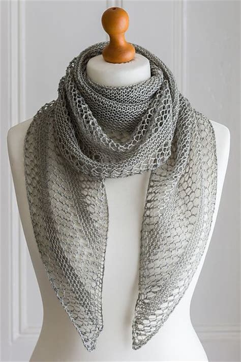 knitting patterns for shawls 25 best ideas about knitted shawls on knit