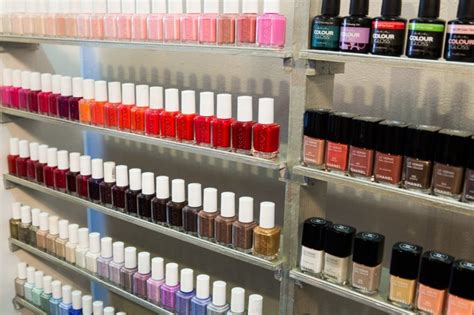 bed of nails nail bar 25 year old opens bed of nails nail bar in harlem ebony