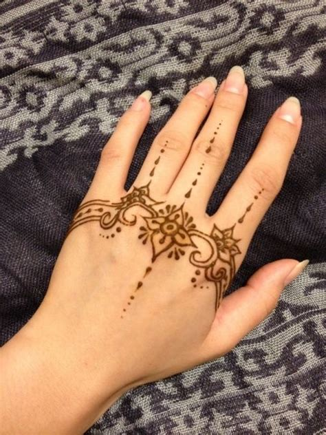 henna tattoo tangan 17 best images about henna on foot tattoos