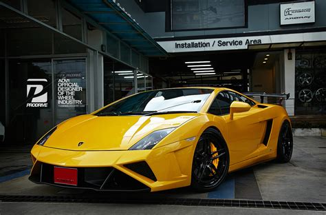 yellow lamborghini gallardo lamborghini gallardo superleggera adv05 track spec cs