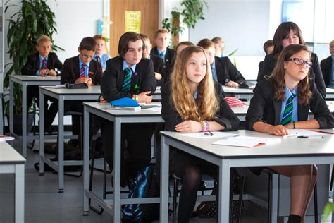 Should We Be Looking For An Alternative To The Traditional Students In Desks