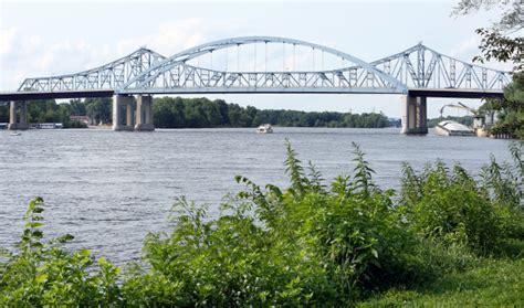 Hometown Icon: Cass Street Bridge   Local