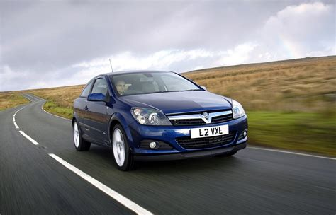 vauxhall astra 2005 vauxhall astra sport hatch review 2005 2010 parkers