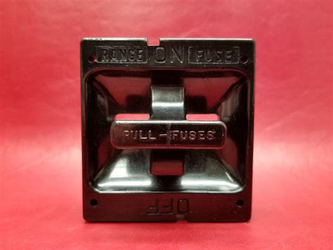 square  range fuse pull  fuse holder   amp switch vintage  circuit breakers