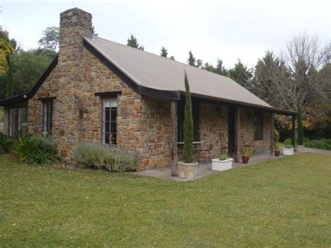 cottage picture of adelaide country