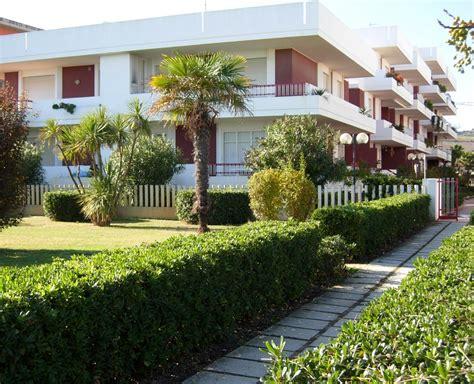 appartamenti in affitto alba adriatica periodo estivo 3a f m cod 03 fronte mare villa rosa