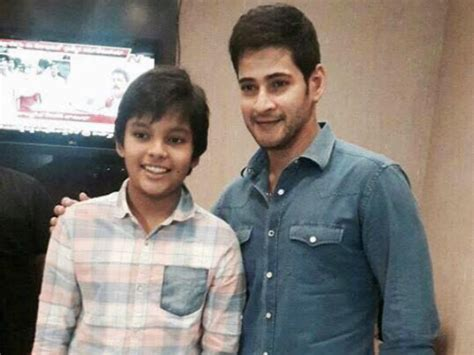 pawan kalyan fans on twitter good morning waiting for whoa mahesh babu poses for a snap with pawan kalyan s son