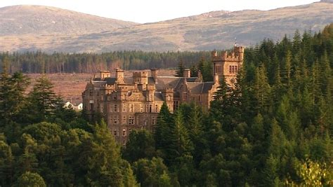 beschwerdebrief jugendherberge carbisdale castle verkauft kunst versteigert
