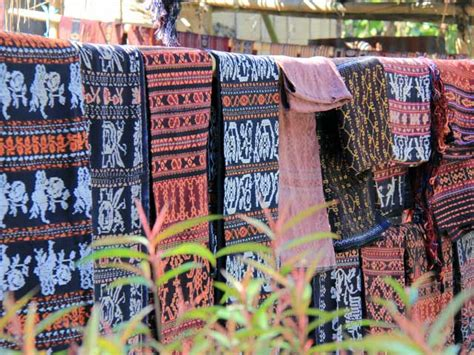 Tenun Ikat Maumere Ntt geometris tenun indian navajo dan tenun indonesia timur