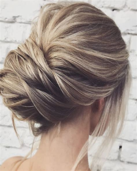 chigon blonde highlights easy and pretty chignon buns hairstyles you ll love to try