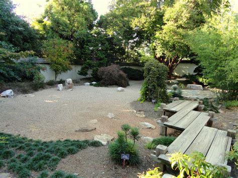 arsitektur taman rumah halaman depan bergaya jepang