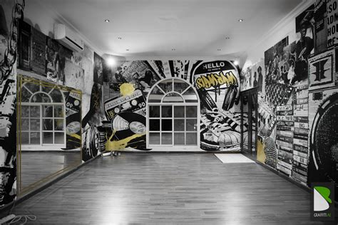 fresh graffitis graffiti uae graffiti artist  hire