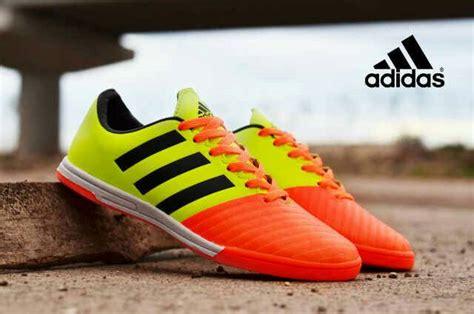 Sepatu Bola Yang Murah sepatu futsal adidas murah model terbaik keren modis