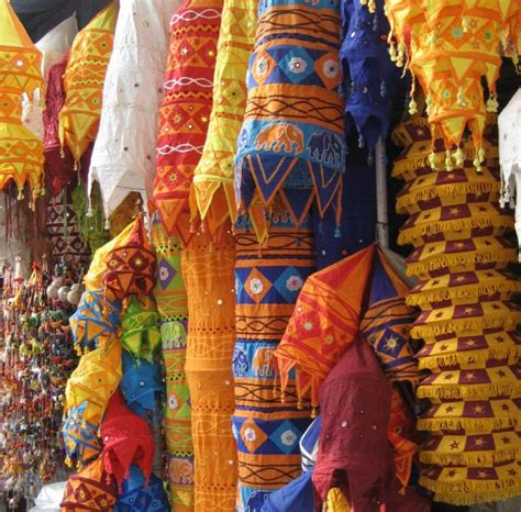 Indian Handcrafts - shopping in new delhi guide to the world