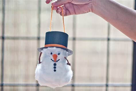 How To Make A Snowman With Paper - how to make a snowman out of a toilet paper roll with