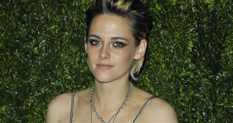 Kristen Stewart Reflects on Her 'Twilight' Experience: 'It ... K 11 Kristen Stewart