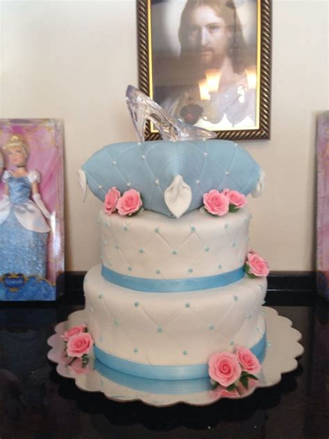 cinderella baby shower cakes 25 best ideas about cinderella baby shower on