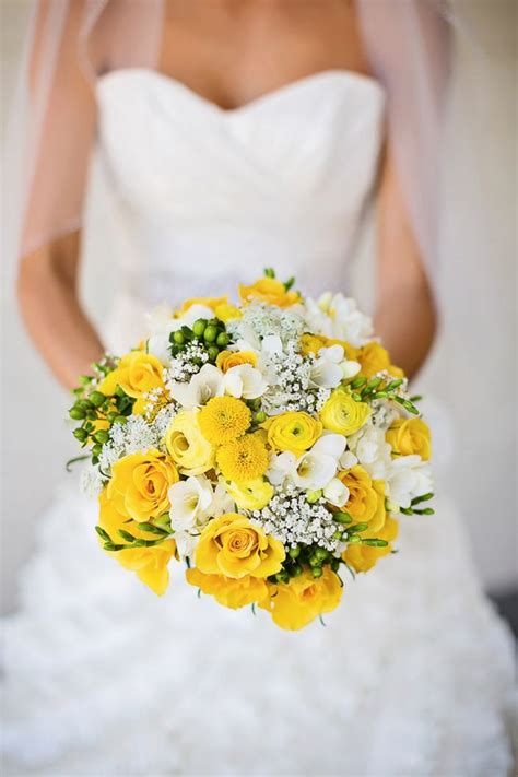 Wedding Bouquet Yellow by 12 Best Images About Rustic Yellow And White Wedding