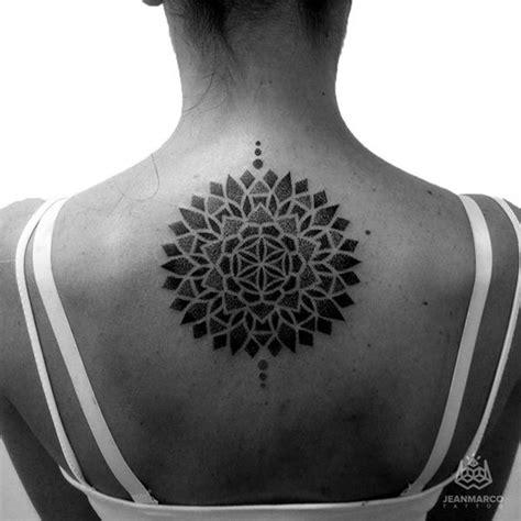 tattoo mandala puntillismo puntillismo dotwork tattoo magazine