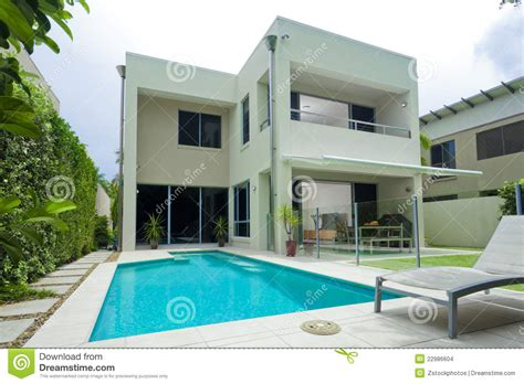 Moder Home | moder house with swimming pool stock photo image of
