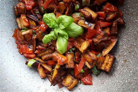 come cucinare le melanzane a funghetto melanzane a funghetto la ricetta napoletana