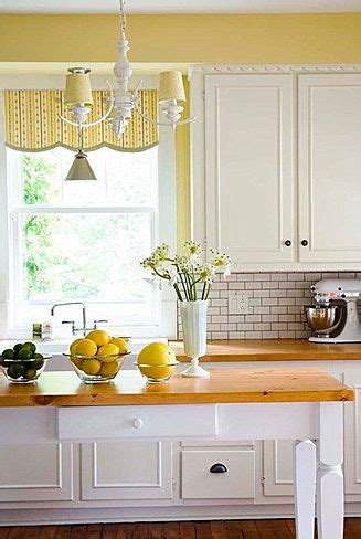 Yellow Kitchen With White Cabinets 25 Best Ideas About Yellow Kitchen Walls On Light Yellow Walls Yellow Kitchen