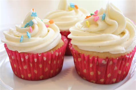 simple vanilla frosting for cupcakes hip foodie mom