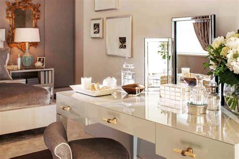 Merveilleux Table Cuisine Moderne Design #4: coiffeuse-elegante-design-luxe-meuble.jpg?itok=eT9Ly-97