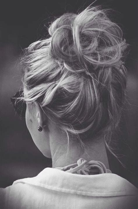 messy bun procedure 103 messy bun hairstyles