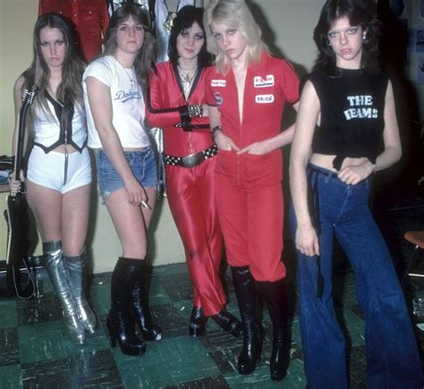 laste ned filmer the wall lita ford today lita ford and the runaways music