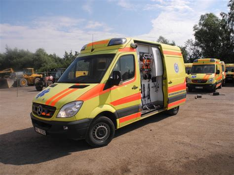 mercedes sprinter 316 ambulance with pensi 2000