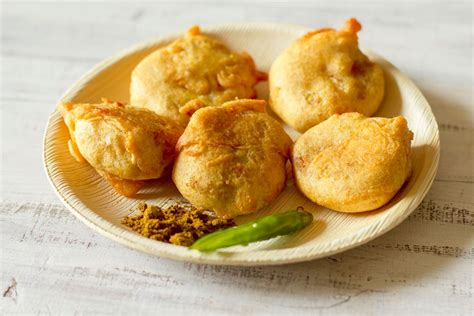 pav vada vada pav recipe in hungryforever food