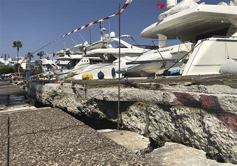 earthquake causes magnitude 6 6 earthquake hits turkey s west coast greek