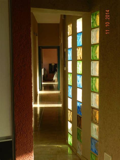 decoracion de pasillos de escaleras una casa de co que se integra al entorno escaleras