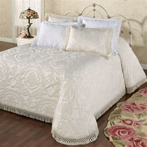 blanket coverlet antique medallion matelasse oversized bedspread bedding