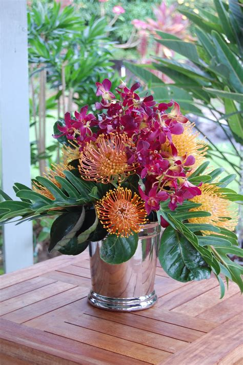 flower arrangements arreglos florales tropicales on pinterest tropical