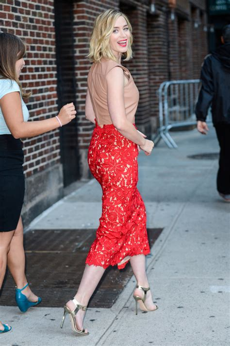emily blunt s changing looks instyle com emily blunt s red skirt at the late show with stephen