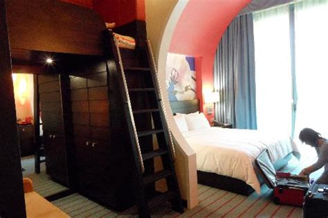 festive hotel family king room room with a bunk bed picture of resorts world sentosa festive hotel sentosa island